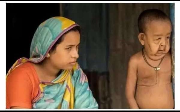 Bayezid .Hossain of Bangladesh and Mother