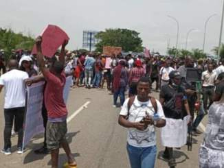 Youths Troops Out As EndSARS Protest Resumes In Osogbo