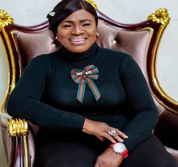 Veteran Nollywood actress, Mama Rainbow pens glowing tribute to late hubby