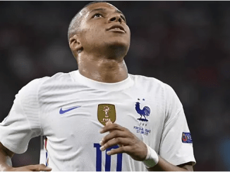 PSG consider bumper offer to tempt Mbappe to stay