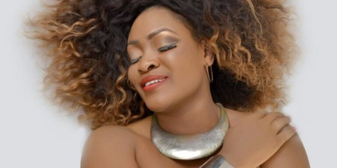 Muma Gee Returns With Live on Stage Concert (Photos)
