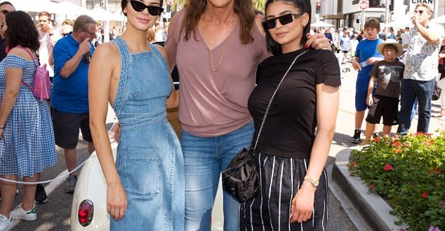 Kendall and Kylie Jenner celebrate father's day with Caitlyn (Photos)