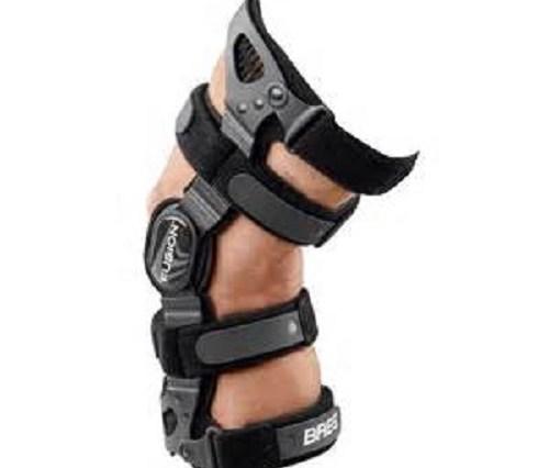 know-plastic-elastic-knee-braces