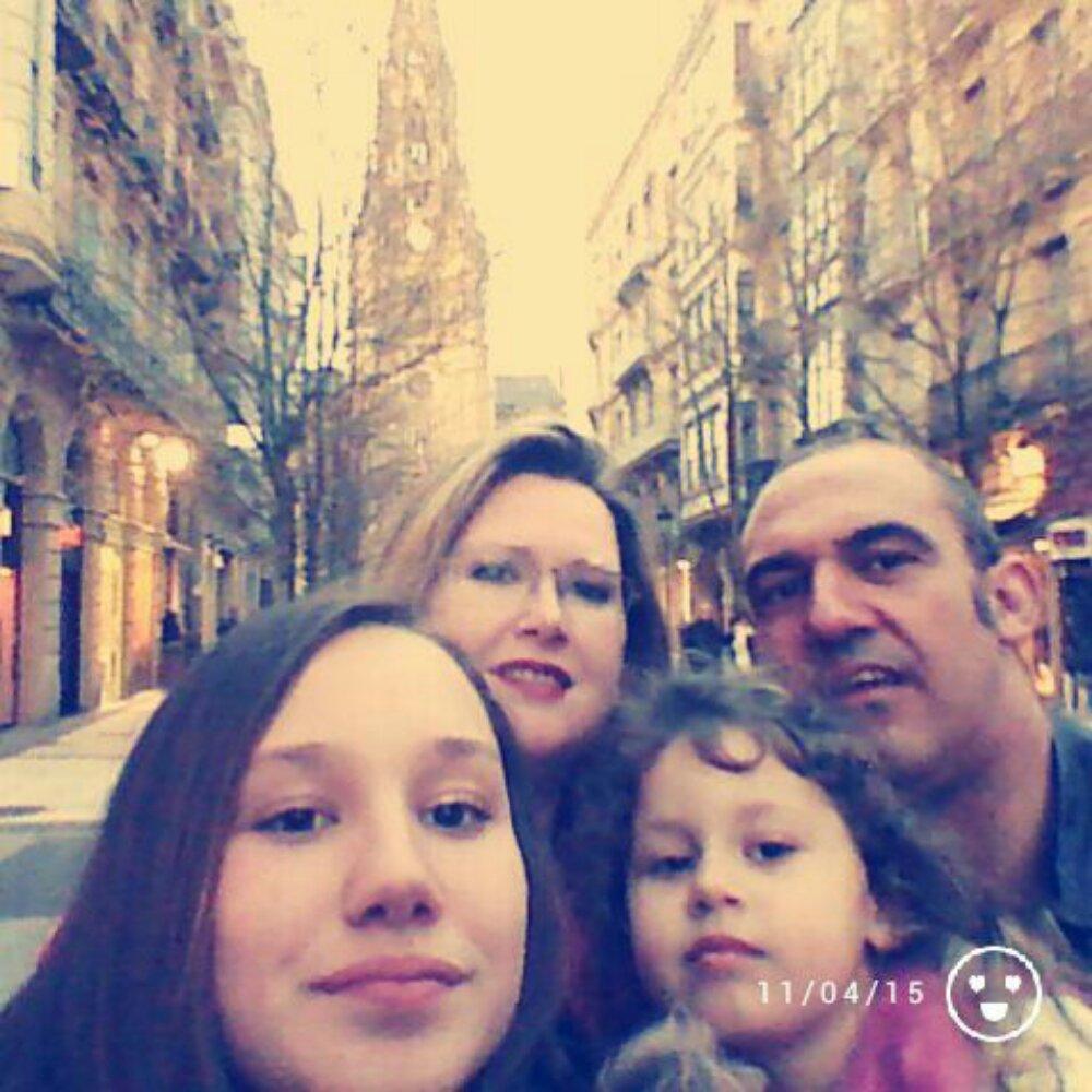 Las otras caras de la emigración: Aurora, Juanma y sus hijas