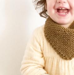 Baby châle, tricot, créatrice Nantes, Bouchon & Bobinette / Blog 9 MOI(S) d'envies à Nantes, mode femme, mode enfant, grossesse et maternité, décoration, cuisine, couture, lifestyle...