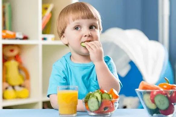 الوجبات الصحية والخفيفة للأطفال حتى عمر السنتين