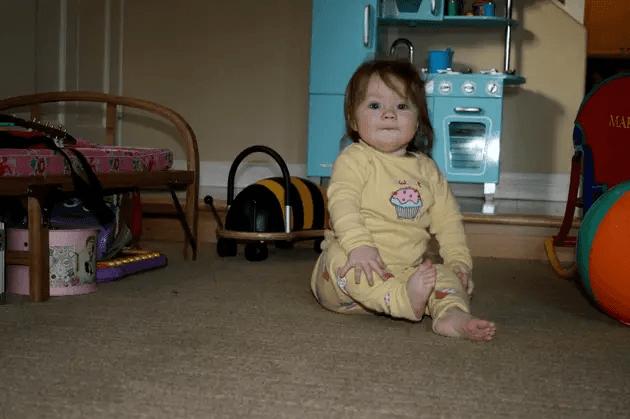 متى يستطيع الطفل الجلوس ؟ نصائح لمساعدة الطفل