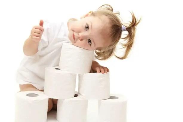 تعليم الطفل دخول الحمام