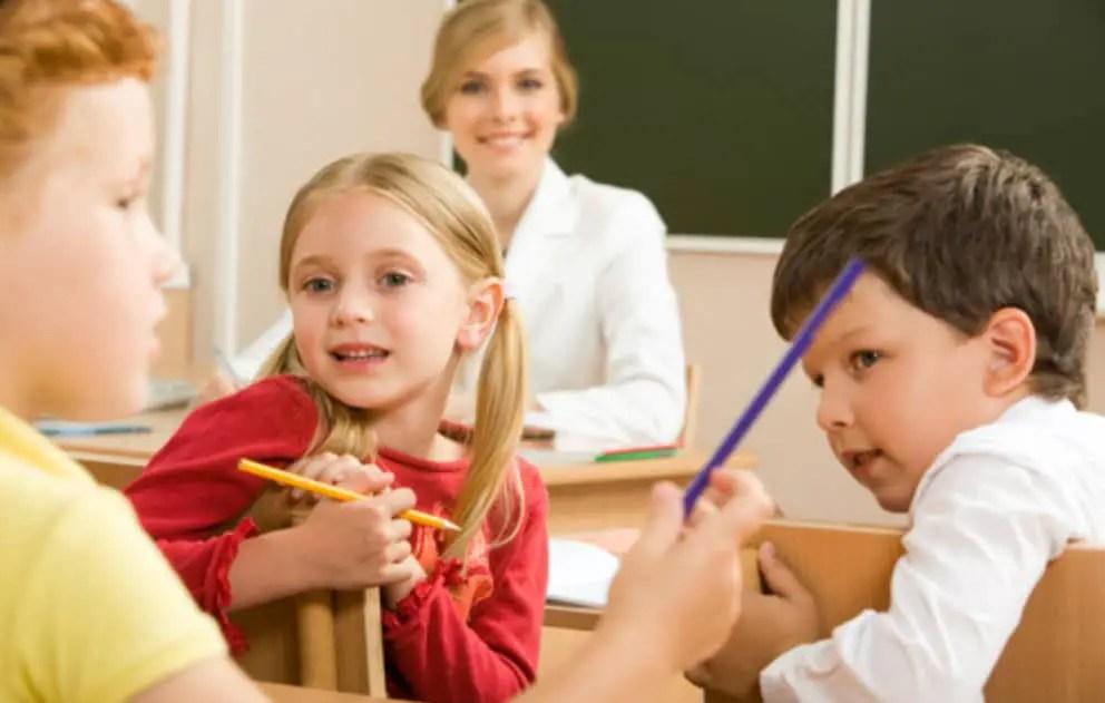 ما هو السن المناسب عند دخول الطفل المدرسة ولماذا؟