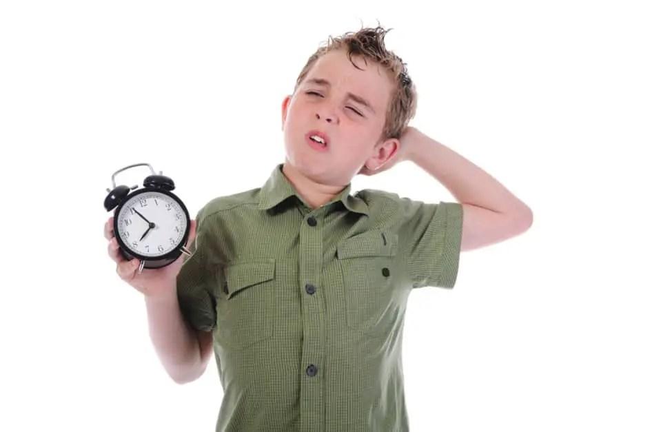 كيف تعودين طفلك على النوم مبكرًا قبل بدء الدراسة؟