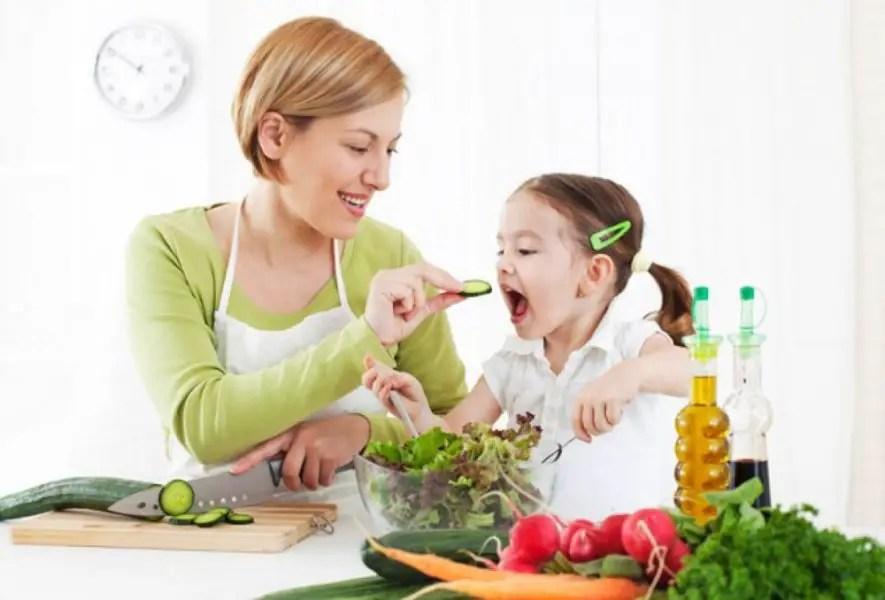 الغذاء الصحي للاطفال في مختلف مراحل نموه