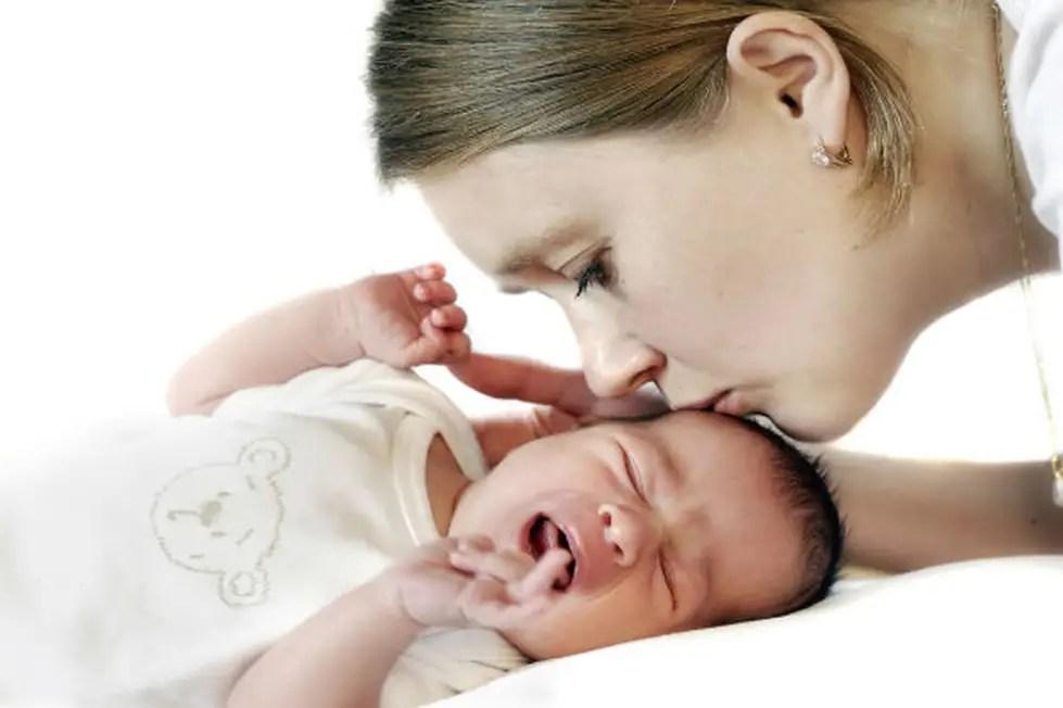 أسباب الغازات عند الرضع وعلاجها