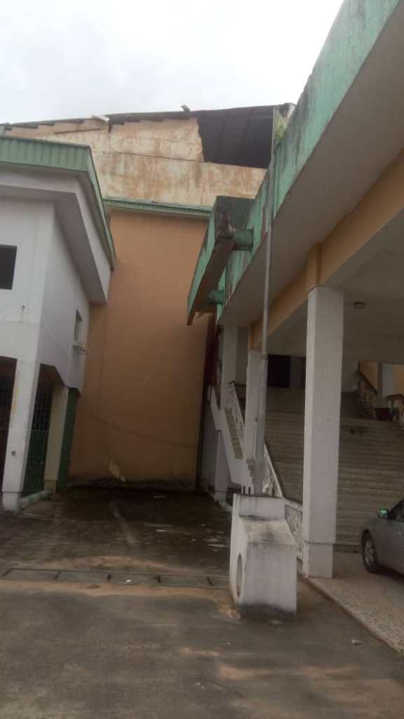 Horror- Imo State House of Assembly Complex at the Verge of Collapse, workers flee for their lives 2