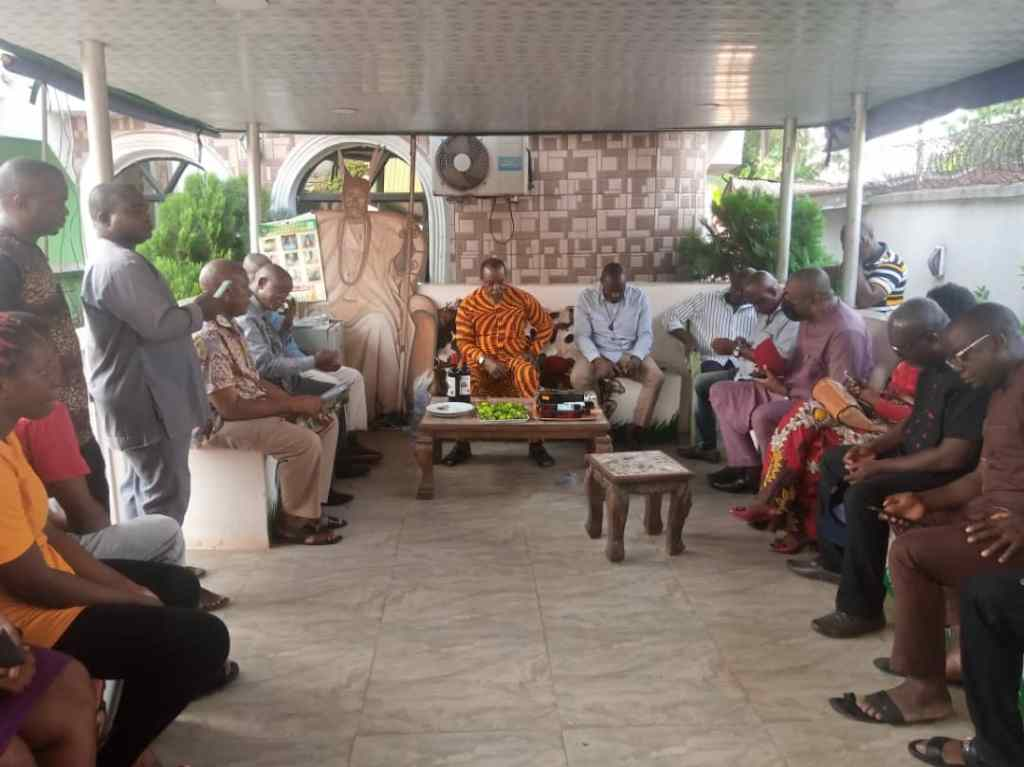 Dr Ifedi Okwenna's courtesy visit to the President General of Nkpor Development Union, Chief Emeka Mbagha (9News Nigeria)