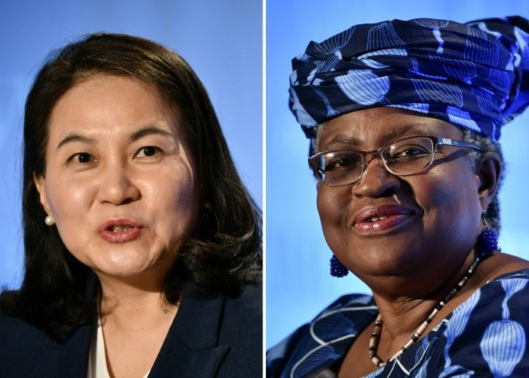 South Korean Trade Minister Yoo Myung-hee (L) dropped her bid to lead the WTO on Friday, clearing the way for Nigeria's Ngozi Okonjo-Iweala (R)