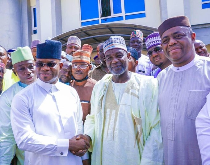 Kogi State Governor, HE Yahaya Bello after meeting with the leadership of Cattle and Foodstuff dealers under the umbrella of the Amalgamated Union of Foodstuff and Cattle Dealers of Nigeria (AUFCDN)