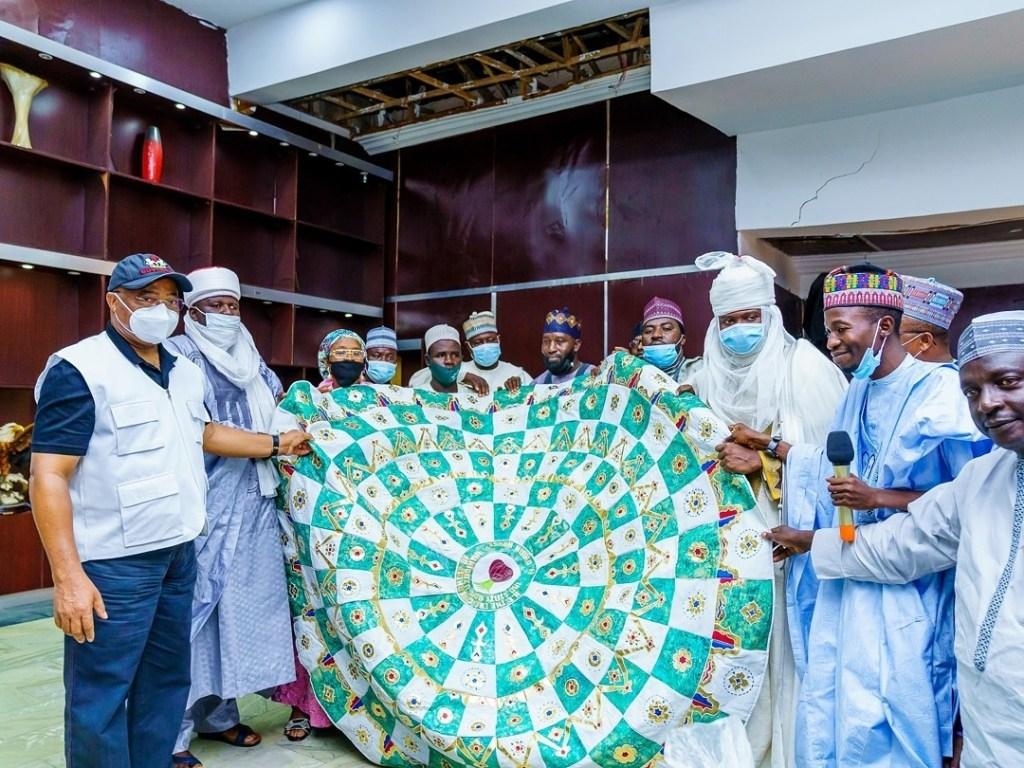 Governor Hope Uzodinma hosts Onion Producers Association led by Alhaji Aliyu Maitasimu Isah