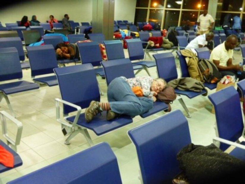 Jomo Kenyatta International airport transit hall