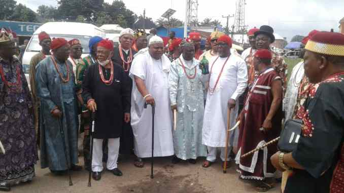MBAISE MONARCHS REVERSES IHEDIOHA'S LIBATIONS TO VOTE ONLY MBAISE PEOPLE AND PDP
