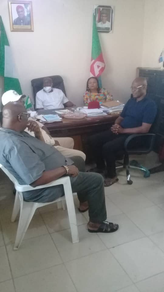 2023 ELECTIONS: IMO PDP PUBLICITY SECRETARY DECAMPS TO APC