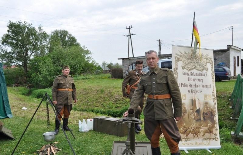 """21.05.2011 – """"Piknik z mundurem"""" w Krynkach"""