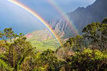 kalalau-valley-rainbow-guy-schmickle