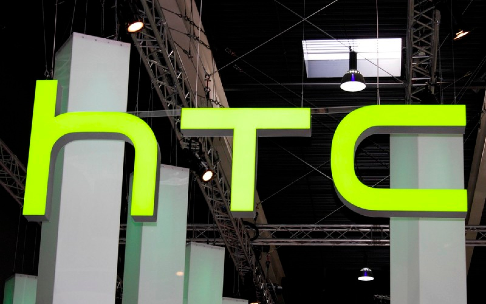HTC will reportedly produce Google's 8-inch Nexus tablet