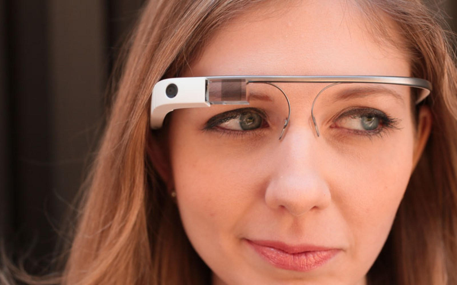 Report: Google Glass successor Project Aura bringing two screenless head-mounted devices
