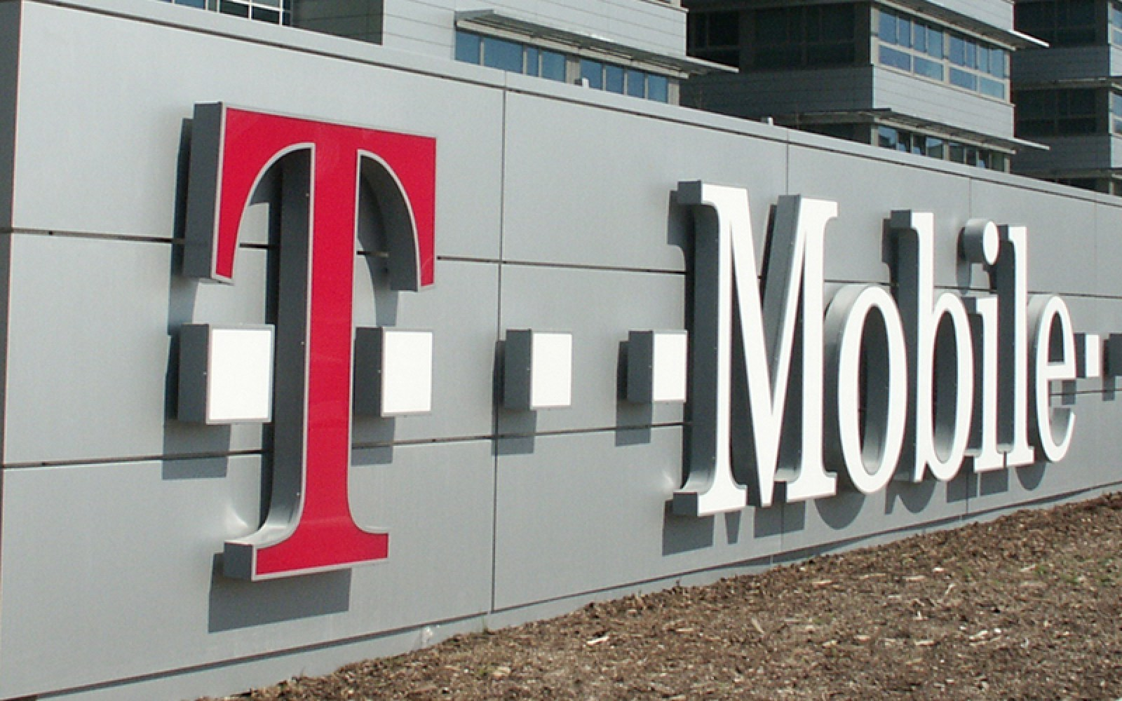 Samsung and T-Mobile teaming up on 'new demonstrations and lab tests' for 5G networks
