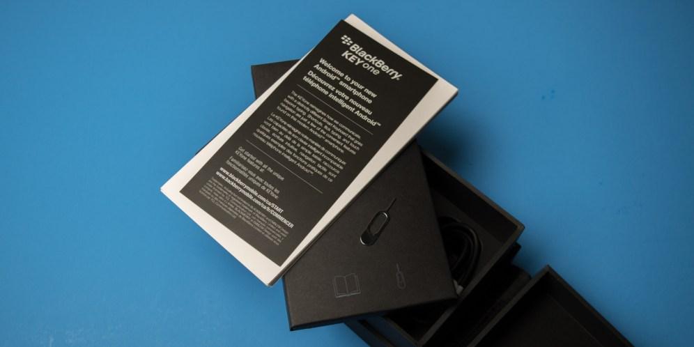 blackberry-keyone-unboxing-5