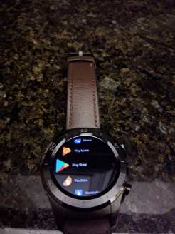 android-wear-2-8-black-theme-3