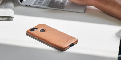bellroy_pixel_3_leather_case_1