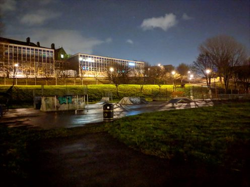 Pixel 3 XL - Night Sight - Skatepark
