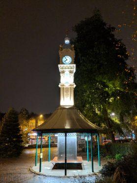 Pixel 3XL - Auto - Clock Tower