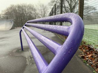 iPhone XR - Purple lean railing