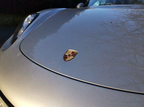 View 20 - Porsche logo