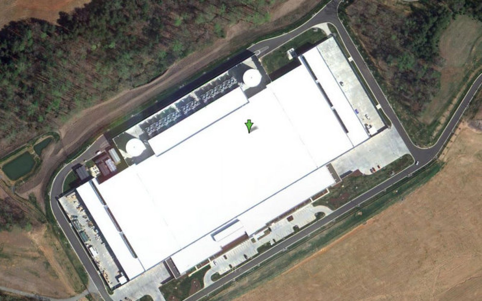 Apple's $1 billion super datacenter goes live in Google ... on google internet map, selmer tn map, google maps space view, google servers, top data center locations map, google 3d street view, google weather map, google facility tour, google government map, google cloud map, google restaurants map, sao paulo google map, google wireless map, google global map, google map of albuquerque nm, google commercial map, microsoft data center locations map, google china map in chinese, google office map, office 365 data center map,