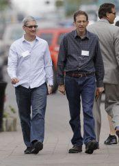 Tim Cook and CEO of Akamai Paul Sagan