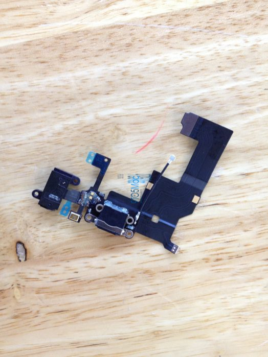 iPhone 5 Dock Connector (1)