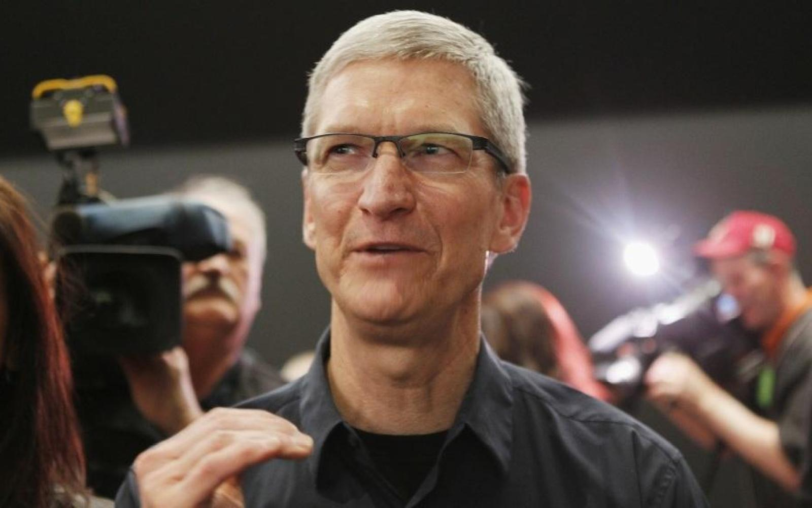 AAPL up 8% to near record highs, bringing the rest of the market with it