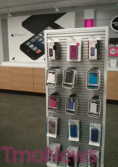 T-Mobile-retail-store-iPhone-5-05