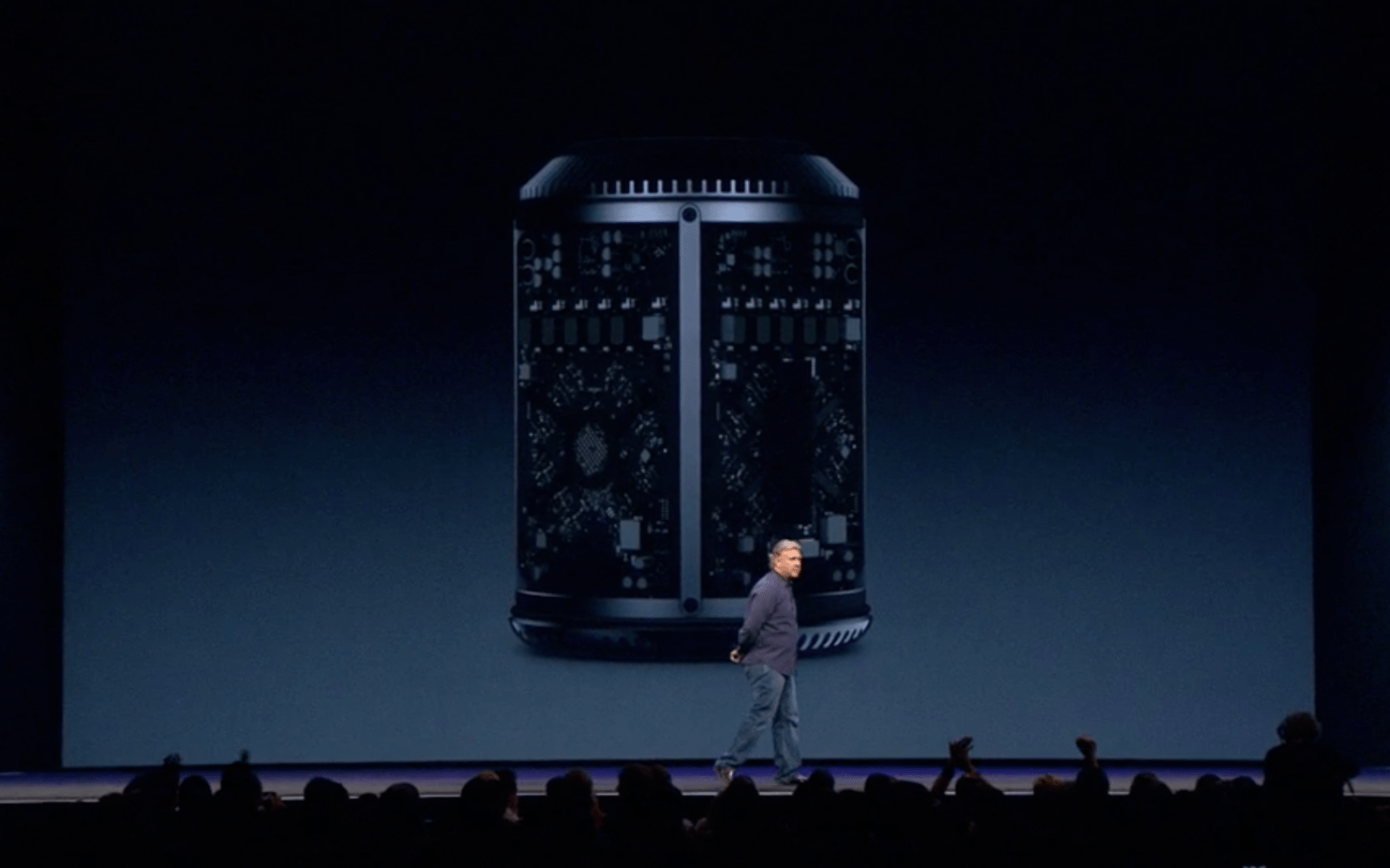 Mac Pros start shipping with delivery date of December 30, demand outstripping supply (again)