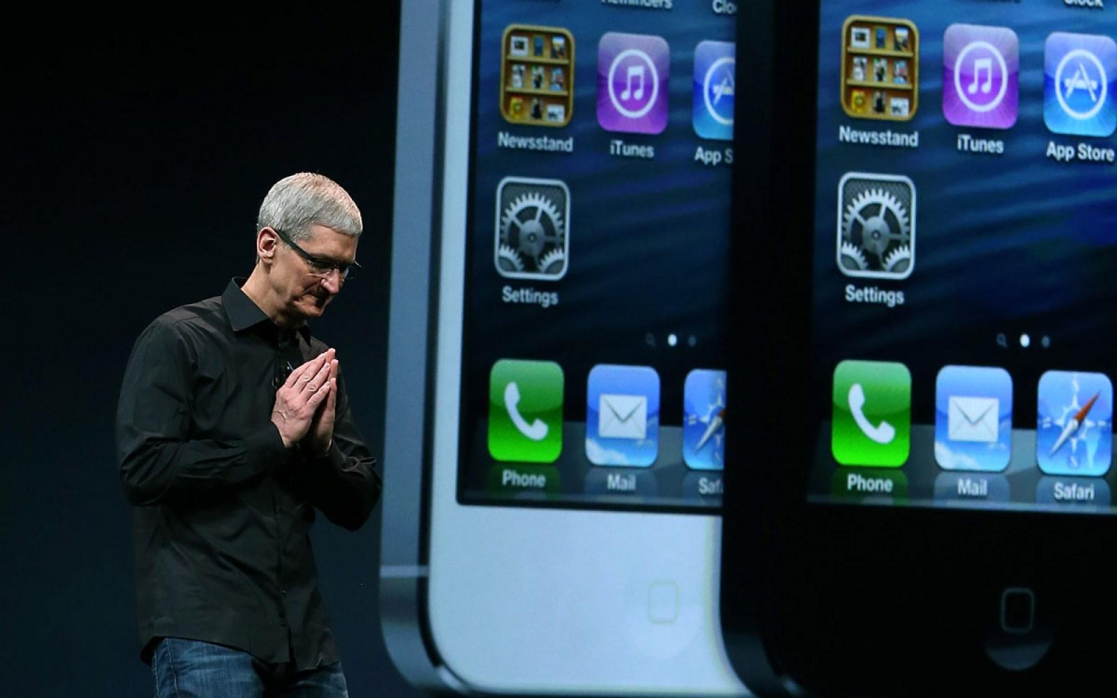 Tim Cook heralds sweeping iPhone sales push to Apple retail leadership