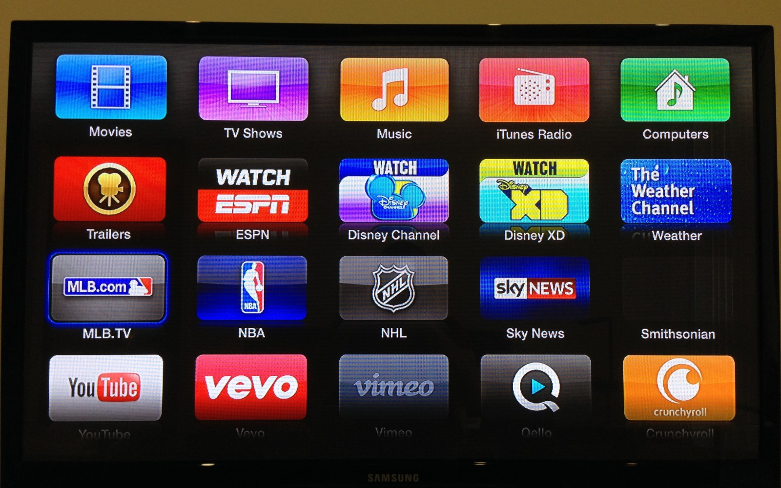 Apple TV updated with Vevo, Disney Channel, Disney XD, Weather Channel, Smithsonian apps