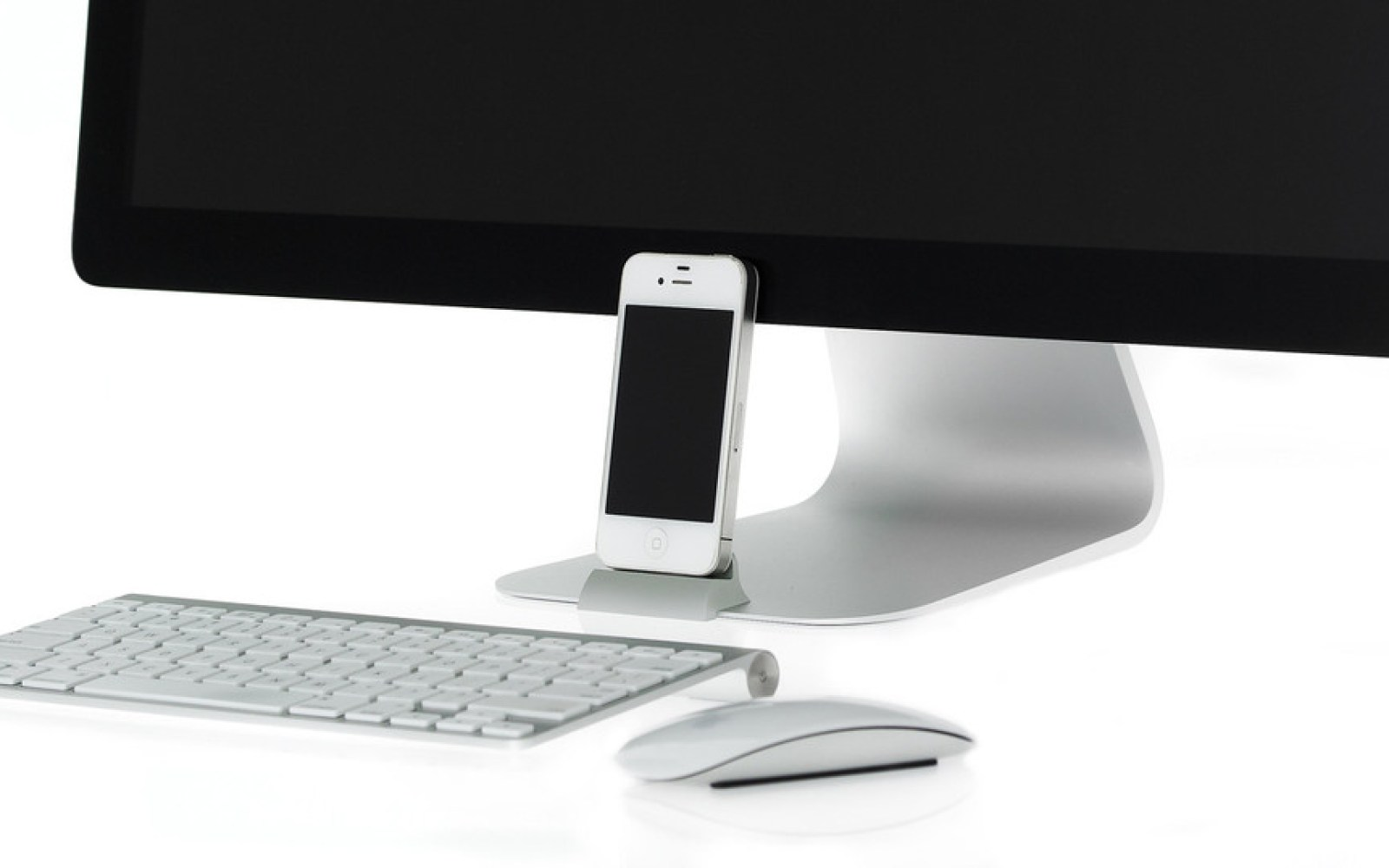 Giveaway: Win an OCDock or OCGlass for iPhone from OCDesk