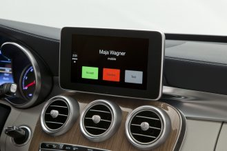 CarPlay-Benz-10