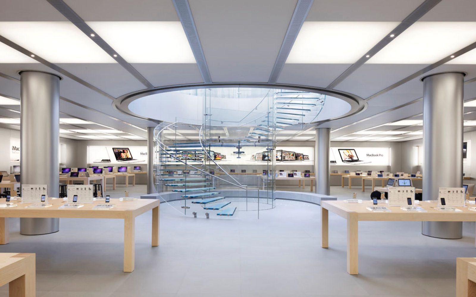 Court approves European trademark on Apple Store design as 38th UK