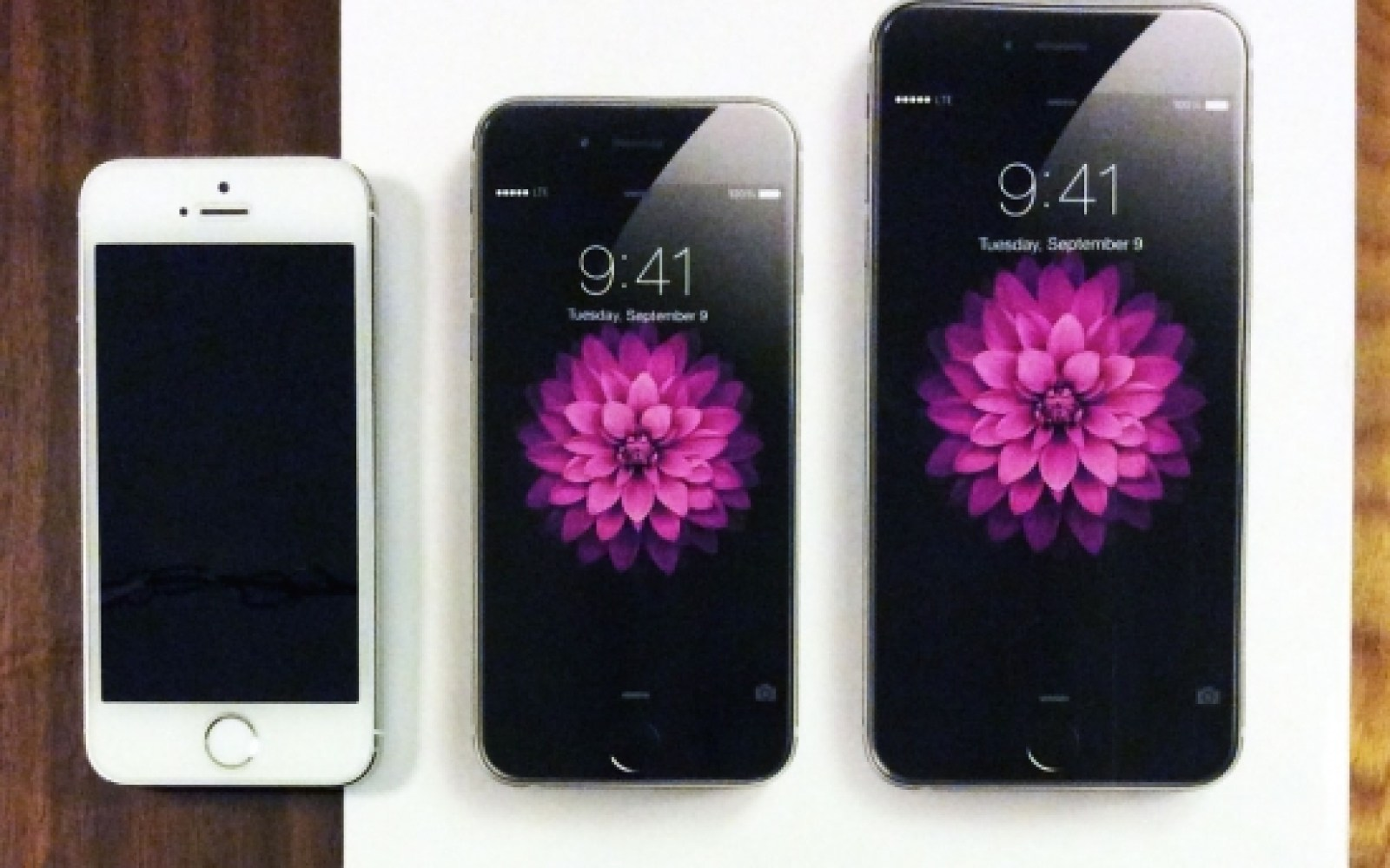 Apple debuts new iPhone 6 print ads featuring actual-size images of the phones
