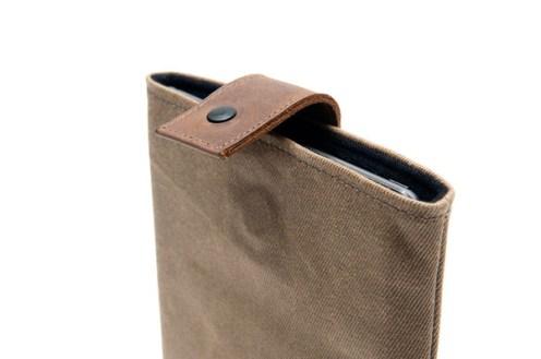 Outback-Slip-Case-Vertical-CloseUp_grande