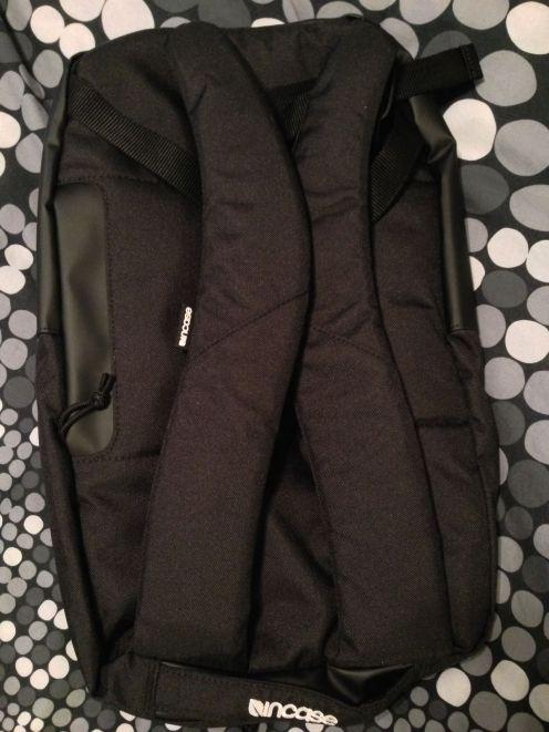 apple-gift-backpack-2
